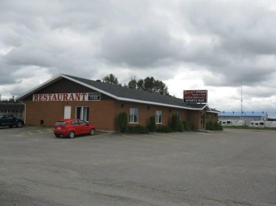 Thriftlodge Cochrane South: Terry's Steakhouse