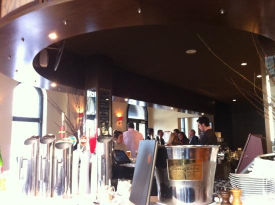 Lamaro's Hotel: main bar area