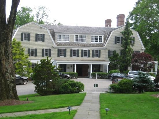Grace Mayflower Inn and Spa: inn