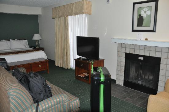 Sonesta ES Suites Colorado Springs : Blick von der Tür in die Suite
