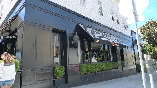 Cafe Des Amis: the restaurant