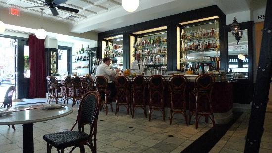 Cafe Des Amis: the bar