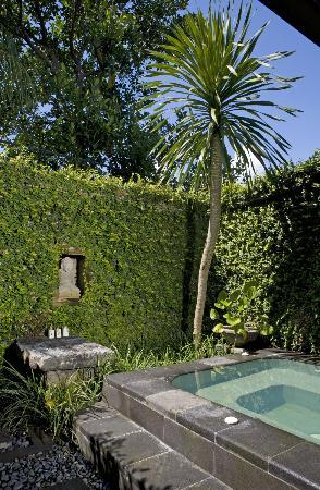 The Damai: Deluxe Villa Outside Shower