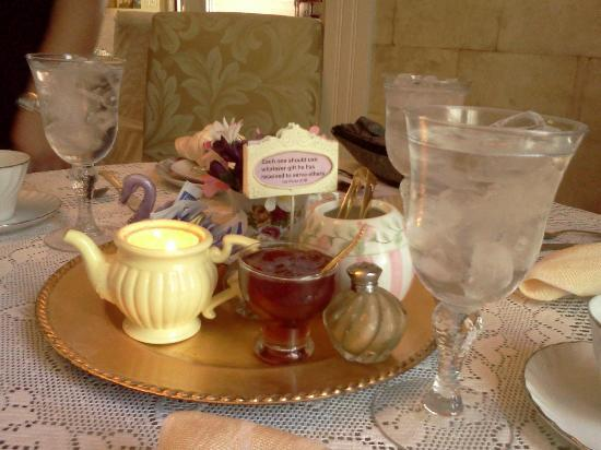 The Canon City Queen Anne: Table setting