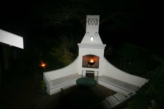 "Villa Vista Guest House: "" Braai Area "" Barbeque"