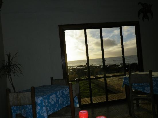 Tataku Vave: view of gorgeous sunset from inside