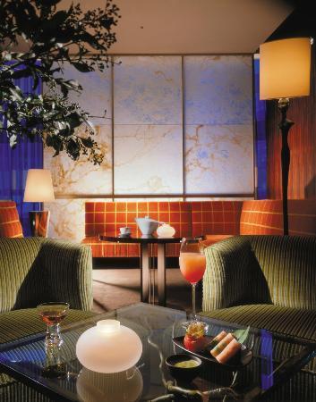 Four Seasons Hotel Tokyo at Marunouchi: 7F ekki BAR