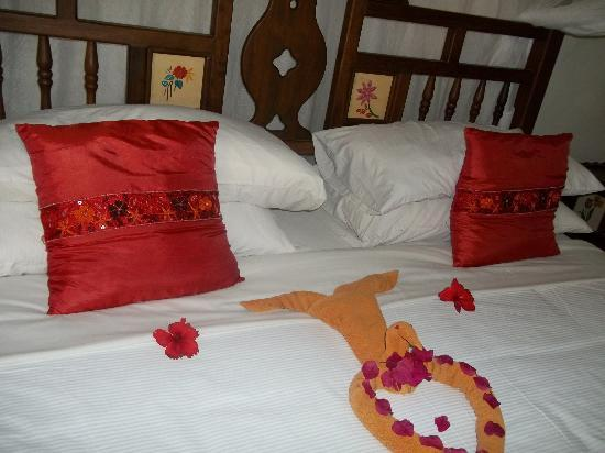 Neptune Palm Beach Boutique Resort & Spa All Inclusive: Beautiful bed