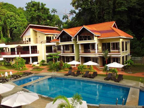 Anjungan Beach Resort: The Hotel