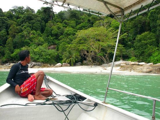 """Anjungan Beach Resort: Island Exploring Tour with """"Mousa"""""""