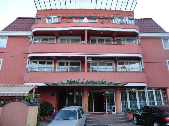 Hotel Leonardo : Front view