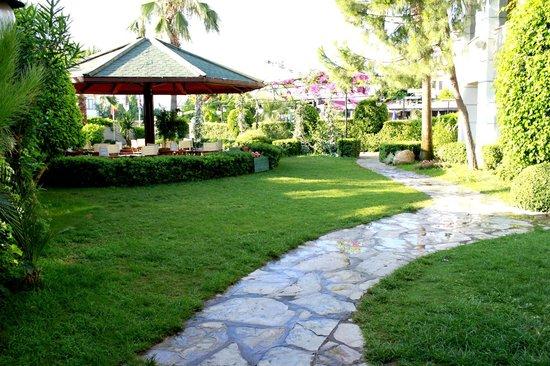 Cle Resort Hotel: Garden