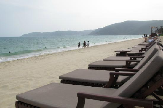 The Ritz-Carlton Sanya, Yalong Bay: beach
