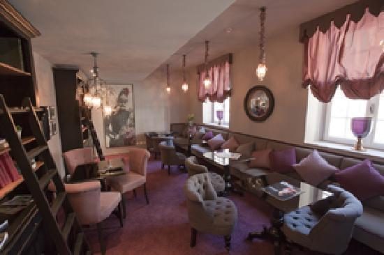 BEST WESTERN Hotel le Donjon : Salon maison des Remparts