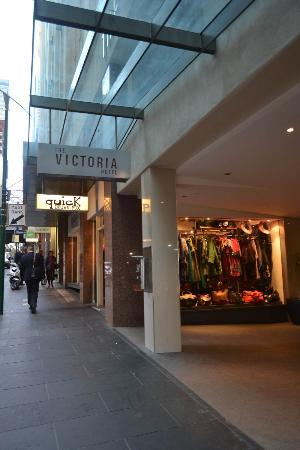 Ibis Styles Melbourne, The Victoria Hotel: View from the street