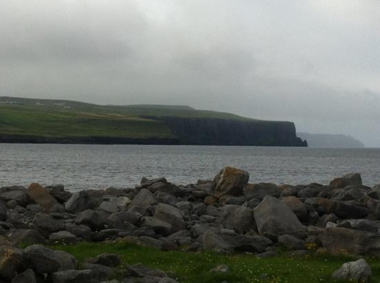 Rainbow's End B&B: view from Doolin