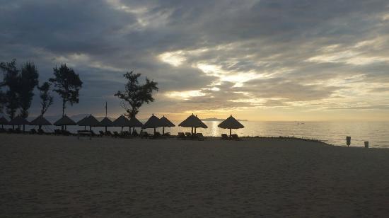 Conrad Sanya Haitang Bay: Sunrise