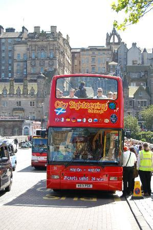 Edinburgh Hop on Hop Off Tours