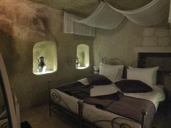 Tafoni Houses: Room number 5: The Sparrow Nest