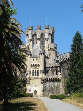 Basque Country, Spain: Vista frontal castillo