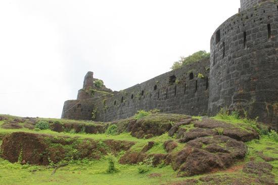 Kunkeshwar, Indien: Standing tall, Vijaydurg