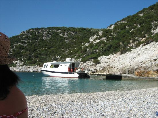 Glisteri Beach: The Ferry