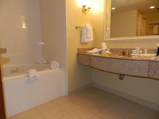 Bathroom Picture Of Hilton Garden Inn Dayton Beavercreek Beavercreek Tripadvisor