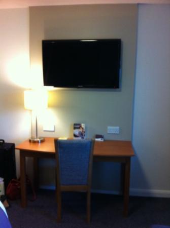 Premier Inn Manchester (Heaton Park) Hotel: nice big Samsung tv!
