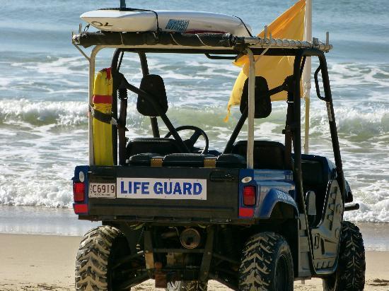 Noosa Main Beach: Life guard on duty