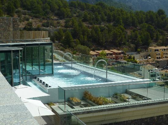 Jumeirah Port Soller Hotel & Spa: Outdoor Therapy Pool in Spa