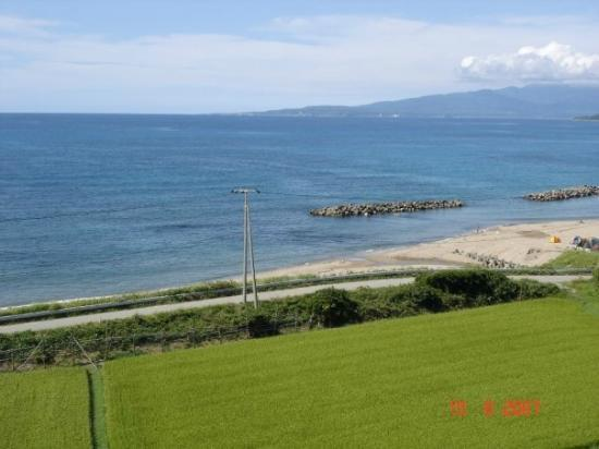 Sado Seaside Villa: Los alrededores, pura naturaleza.