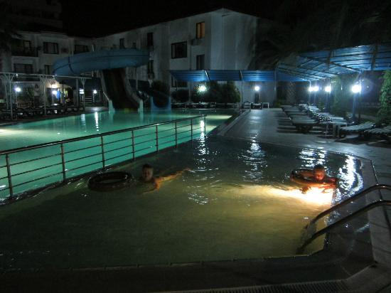 Sural Garden Hotel: Basen2