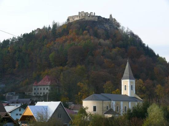 Hotel Podhradie : Povazsky castle