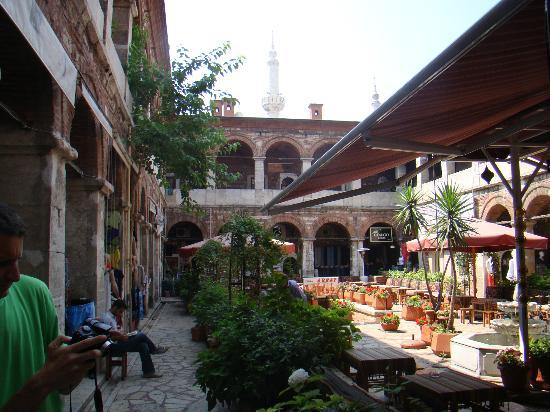 Hotel Sahinler: Coffee House in the Historical Old Bazaar