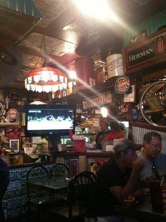 Sanford's Pub and Grub