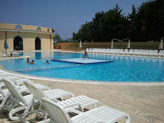 Villaggio Club Green Garden: piscina