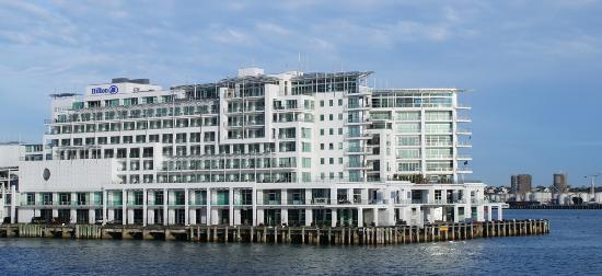 Hilton Auckland: A Ship-Shape hotel! Pun intended. The 'bows' of the hotel towards the right edge of photo.