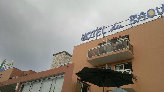 Hotel du Baou: тоже сам отель. вид от входа