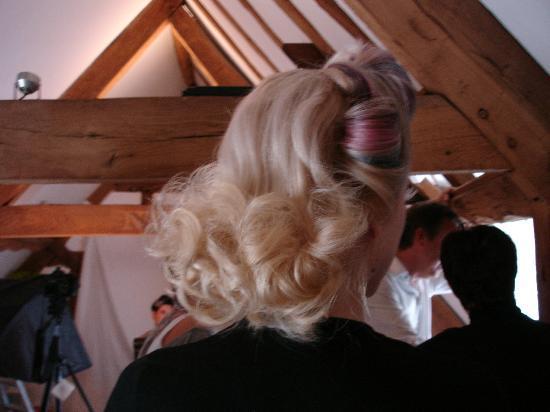 Salon 10 Spa: Victory curls and streaks