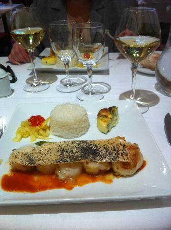 La table des marechaux hotel napoleon fontainebleau restaurant avis num ro de t l phone - Table des marechaux fontainebleau ...