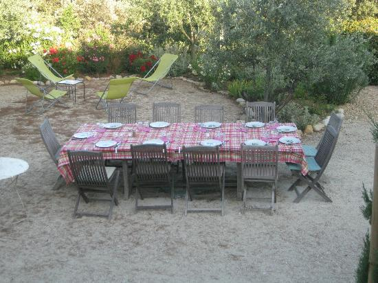 La Fontaine au Loup : Lekker buiten dineren