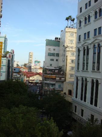 Kelly Hotel: You can see Ben Thanh market from the room.