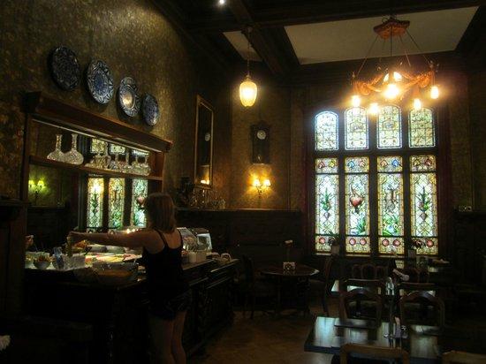 Steens Hotel: Breakfast room
