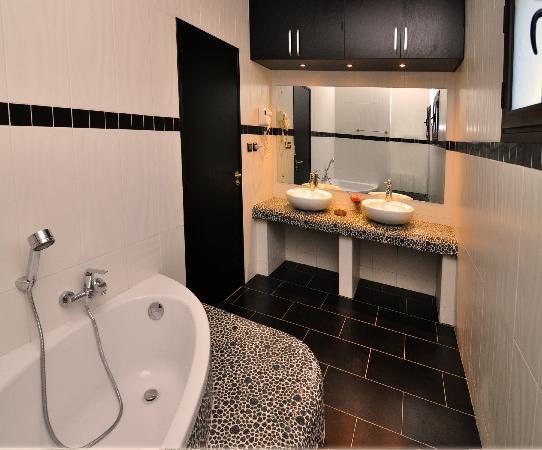 Lantana Resort & Spa : Salle de bain