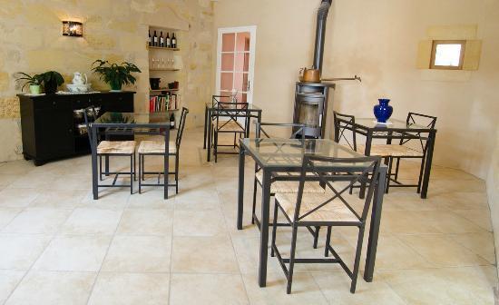 Chateau de Beau Site: La salle petit déjeuner