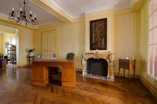 Chateau de Beau Site: Le salon de réception