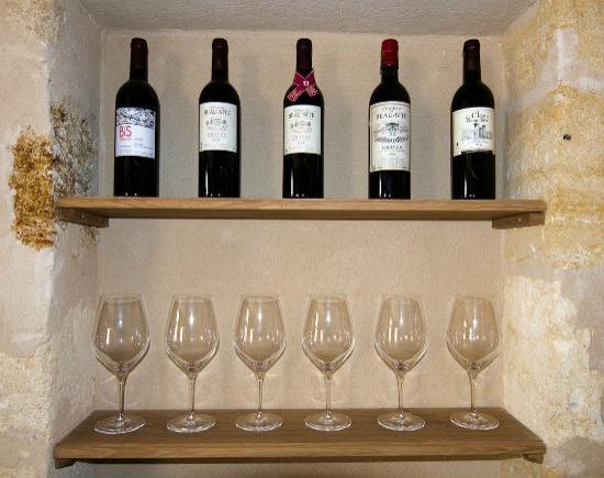 Chateau de Beau Site: Le vin et la dégustation