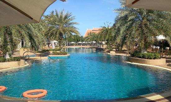 Thai Garden Resort: Pool
