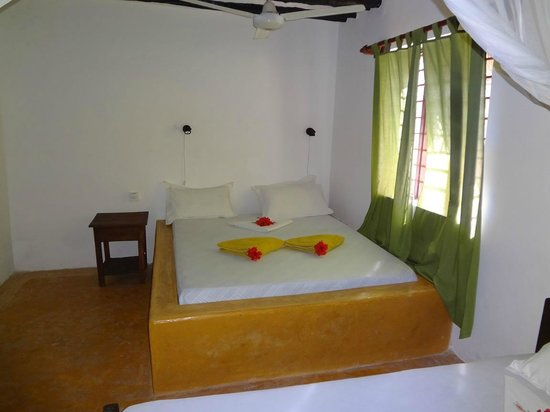 Red Monkey Beach Lodge : Our room