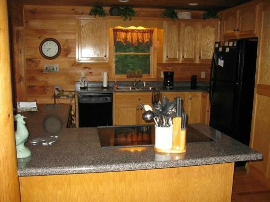 Above the Rest Cabins: Kitchen